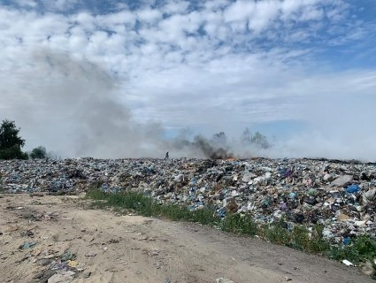 Під Києвом горить сміттєзвалище