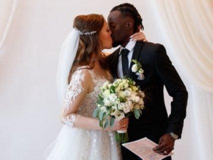 Літній весільний сезон у луцькому РАЦСі закрили шлюбом волинянки й нігерійця (фото)