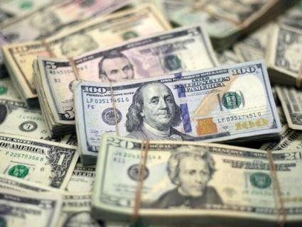 Коли не можна купувати валюту: аналітики розповіли про рекордний курс долара