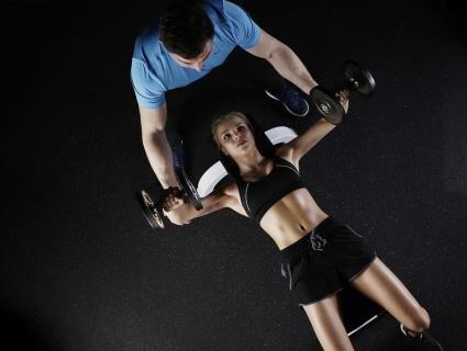У Дніпрі 48-річний тренер з карате примушував до сексу 16-річну ученицю
