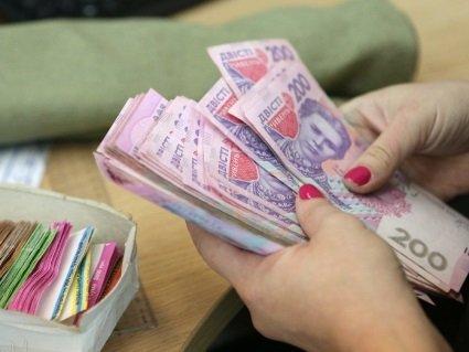 В Україні роботодавцям-боржникам із зарплат оголосили війну: кому загрожують штрафи і в'язниця (відео)