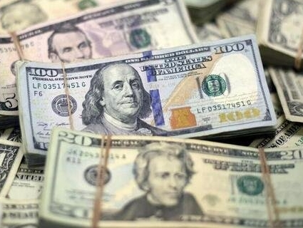 Повідомили, коли подорожчає долар