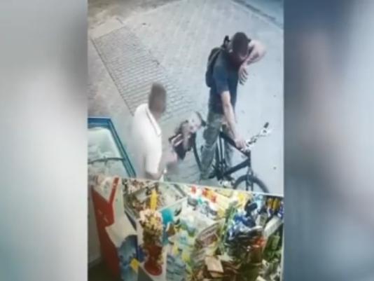 5-річний хлопчик, якого на Волині вдарив чоловік, декілька тижнів ховається від людей (відео)