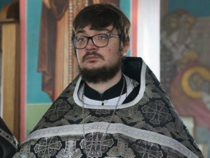 У Росії священник порадив пастві «остудити свій пукан»