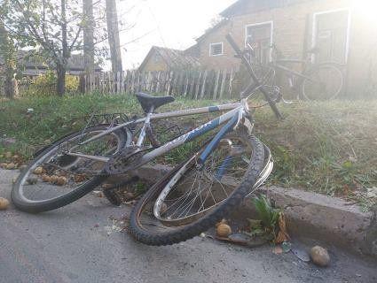 На Волині мотоцикліст з «алковипарами» відправив у лікарню велосипедистку (фото)