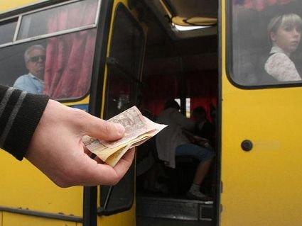 У Луцьку з листопада  в маршрутках не можна буде розрахуватися готівкою
