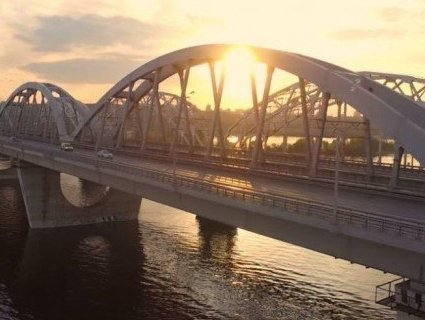 У Києві перекрили міст через можливість теракту
