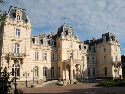 У Львові в Палац Потоцьких вмонтують електростанцію