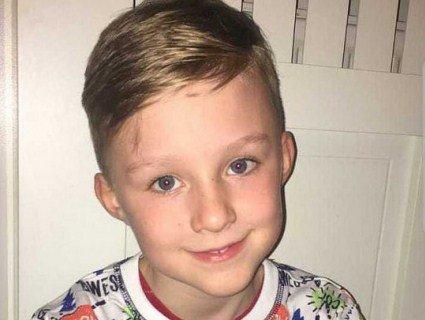 «Так співають ангели»: хлопчик-аутист став зіркою, коли мама тихцем зняла його на камеру (відео)