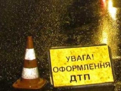 На Житомирщині вантажний автомобіль зіштовхнувся з автобусом – дев'ять загиблих