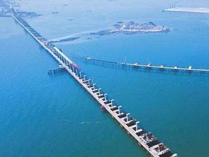 В Китаї завершили будівництво найдовшого у світі мосту