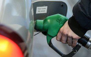 Експерт повідомив, коли подорожчає в Україні бензин