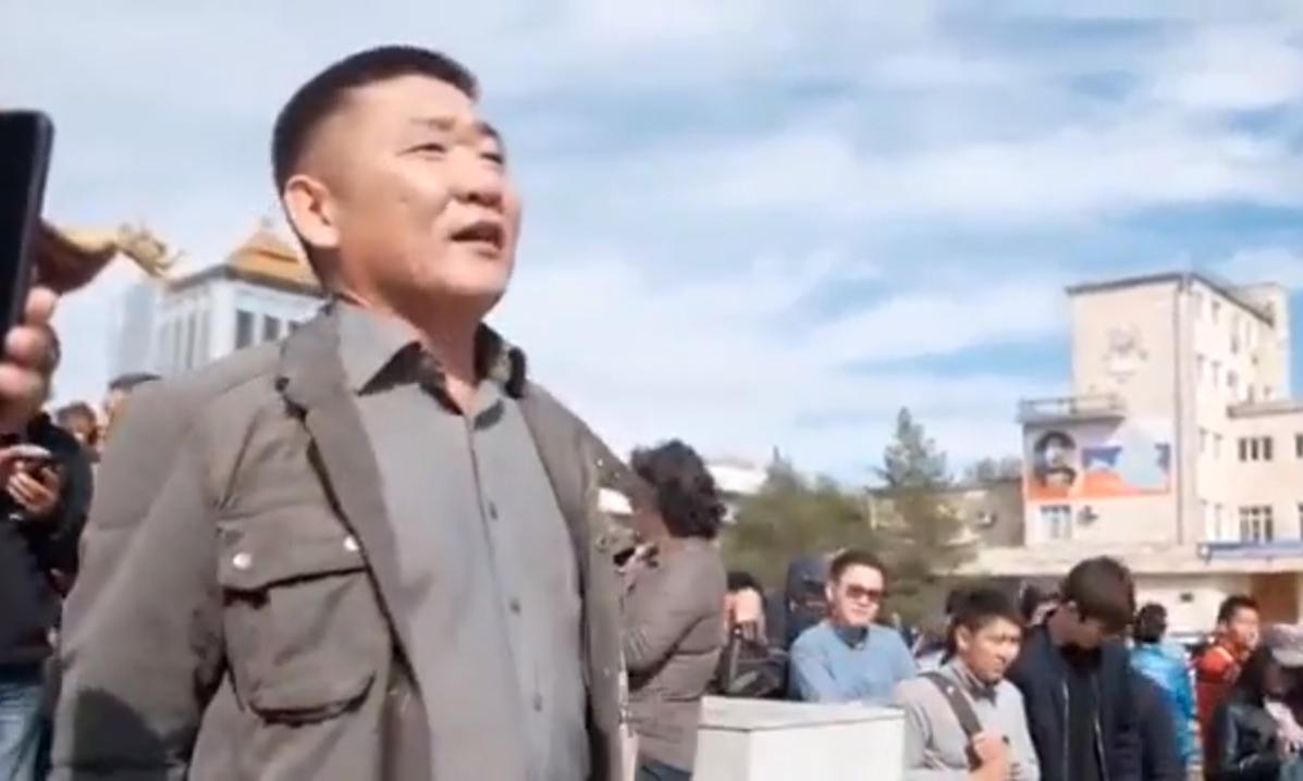В мери столиці Калмикії мітить вождь «ДНР». Калмики повстали і забалакали українською (відео)