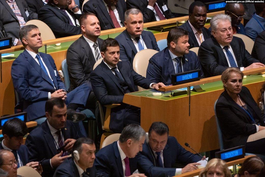 Помічник Зеленського і досі підтримує бізнес-зв'язки з російськими політиками