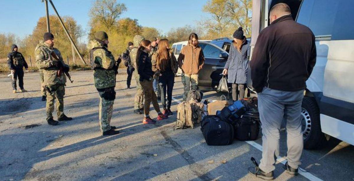 На Луганщині сталися сутички між поліцією та добровольцями