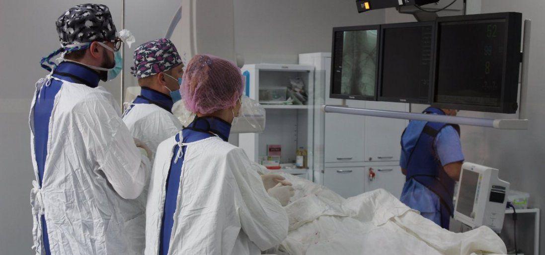 На Волині лікарі врятували пацієнта після падіння з висоти (фото)