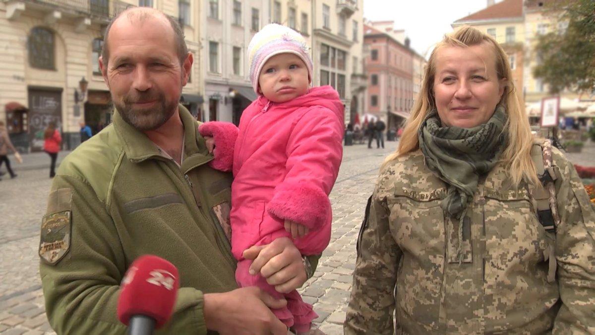 Перша офіцерка ЗСУ виховує на фронті півторарічну доньку
