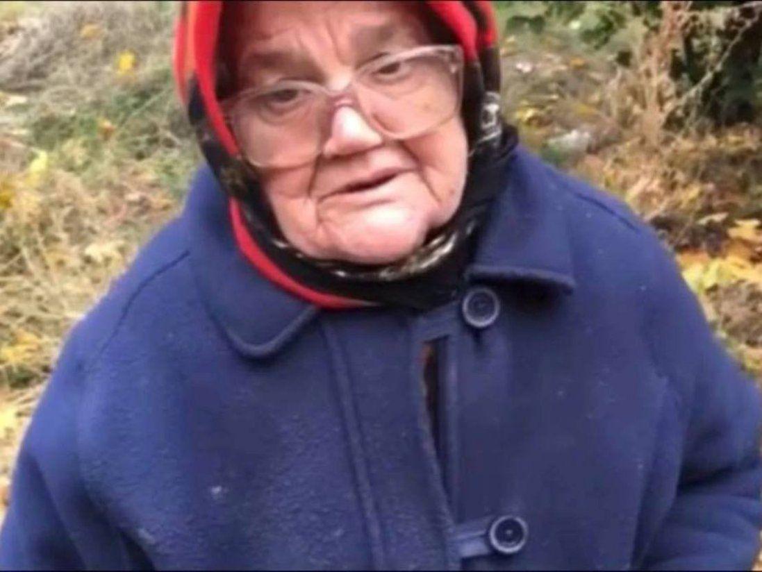 У Кривому Розі «активісти» знущались над бабцею, бо взяла продукти від нардепа (відео)