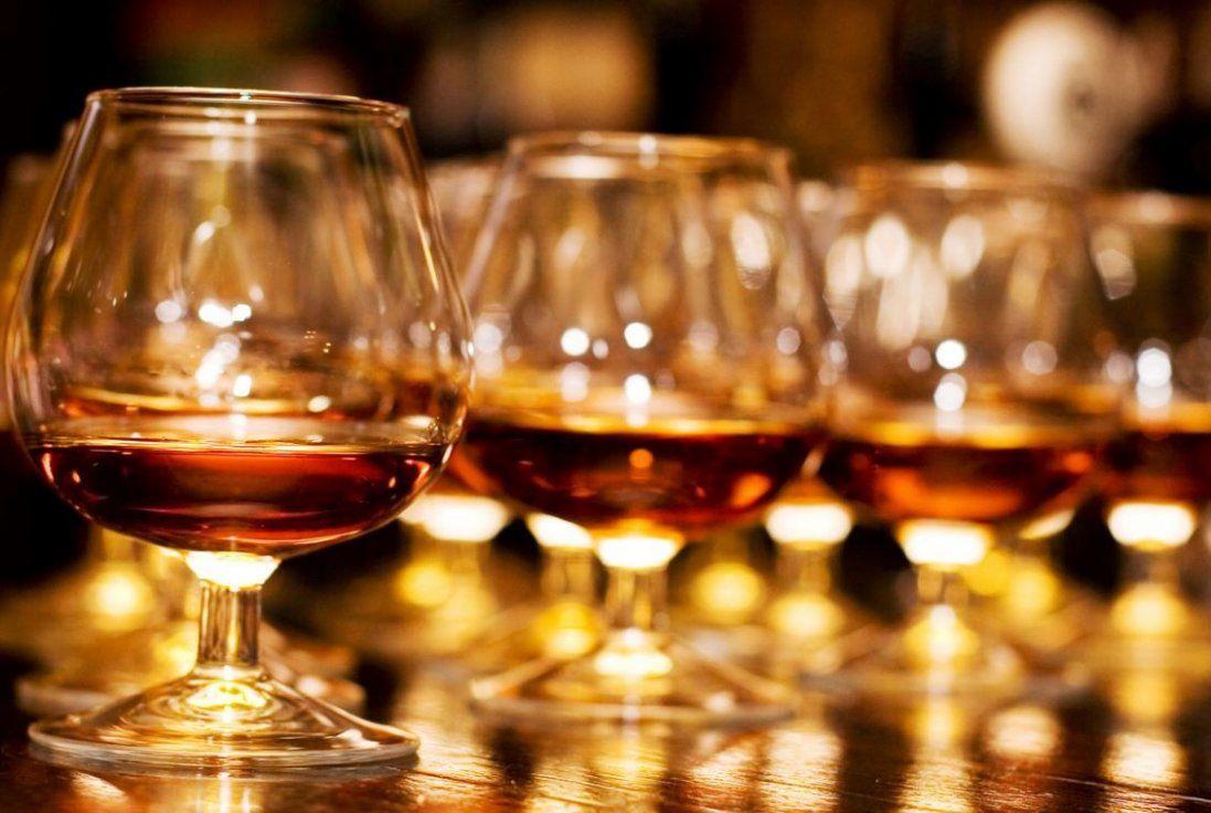 Алкоголь і дієта: що можна вживати
