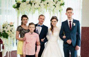 Не про смерть, а про любов: молода львів'янка замінила трьом дітям з Волині матір, яку забрав рак