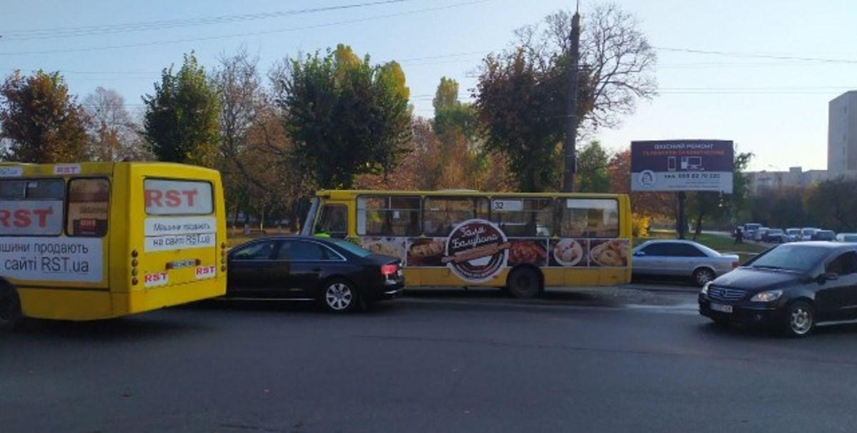 У Луцьку – ДТП за участю чотирьох автівок (фото)
