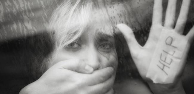 Киянка продала 14-річну доньку старому збоченцю з Норвегії