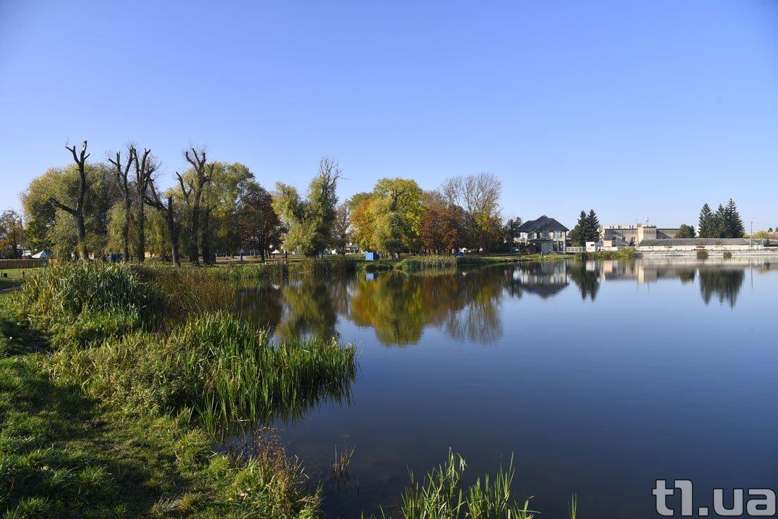 Осінь на Теремнівських ставках у Луцьку (фото)