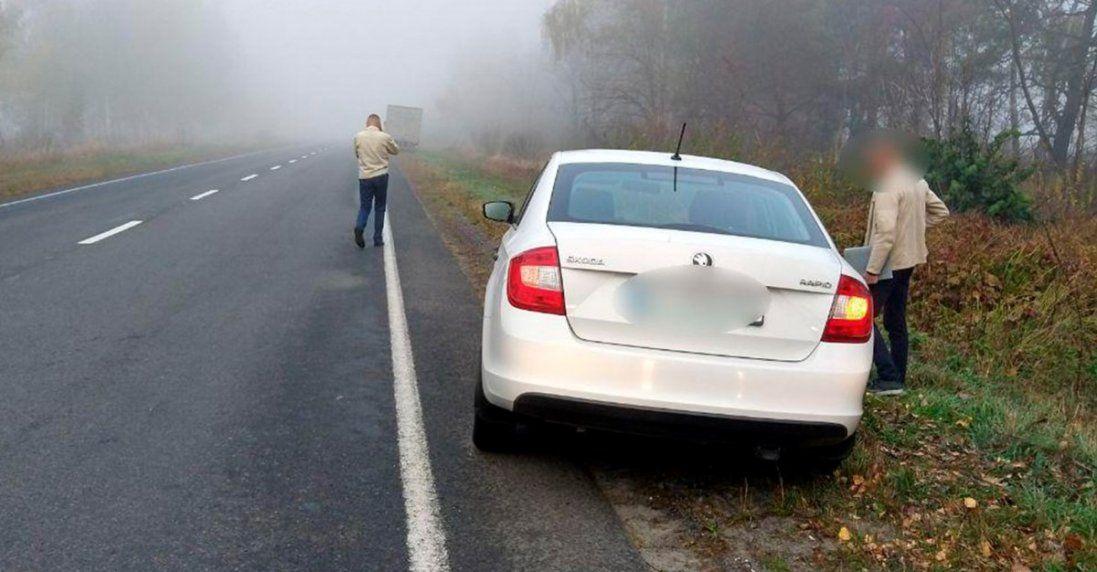 Через туман на Волині легковик зіштовхнуся з вантажівкою (фото)