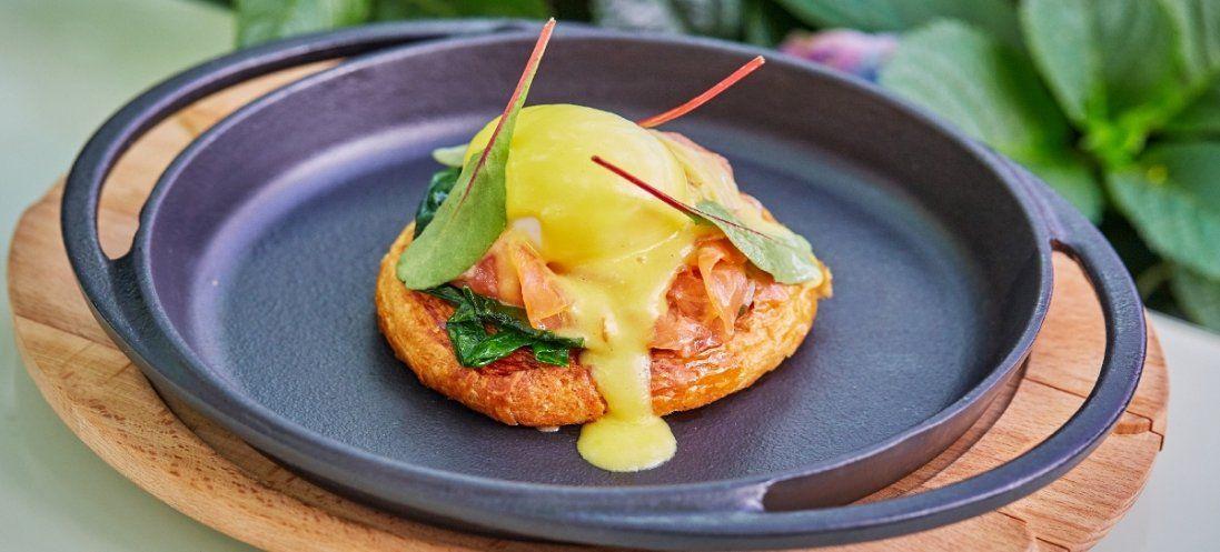 Твій корисний сніданок: картопляні рості з беконом і яйцем