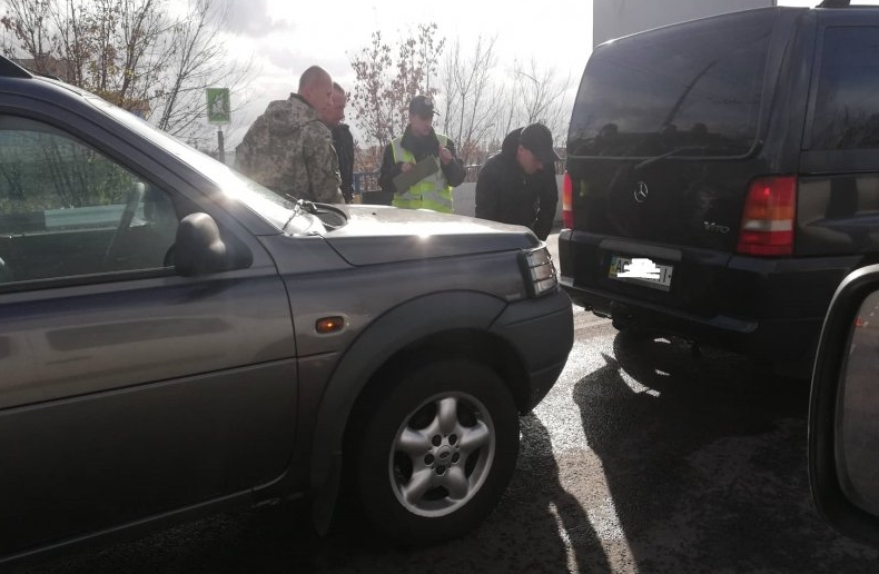 У Луцьку на мості зіткнулися три авто (фото)