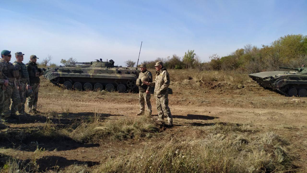 Біля лінії розведення військ бойовики обстріляли житлові будинки