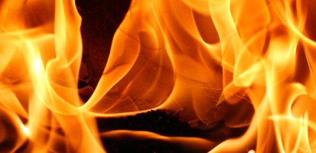 На трасі під Луцьком загорілося авто (відео)