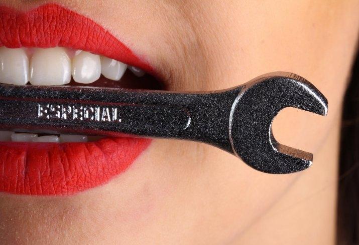 Як відбілити зуби в домашніх умовах: 11 секретів голлівудської посмішки