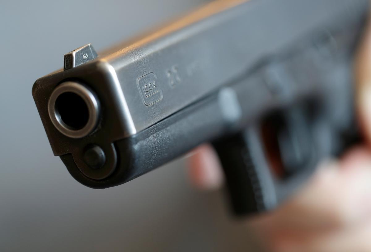 Стрілянина на автомийці в Луцьку: поліція шукає 4 підозрюваних