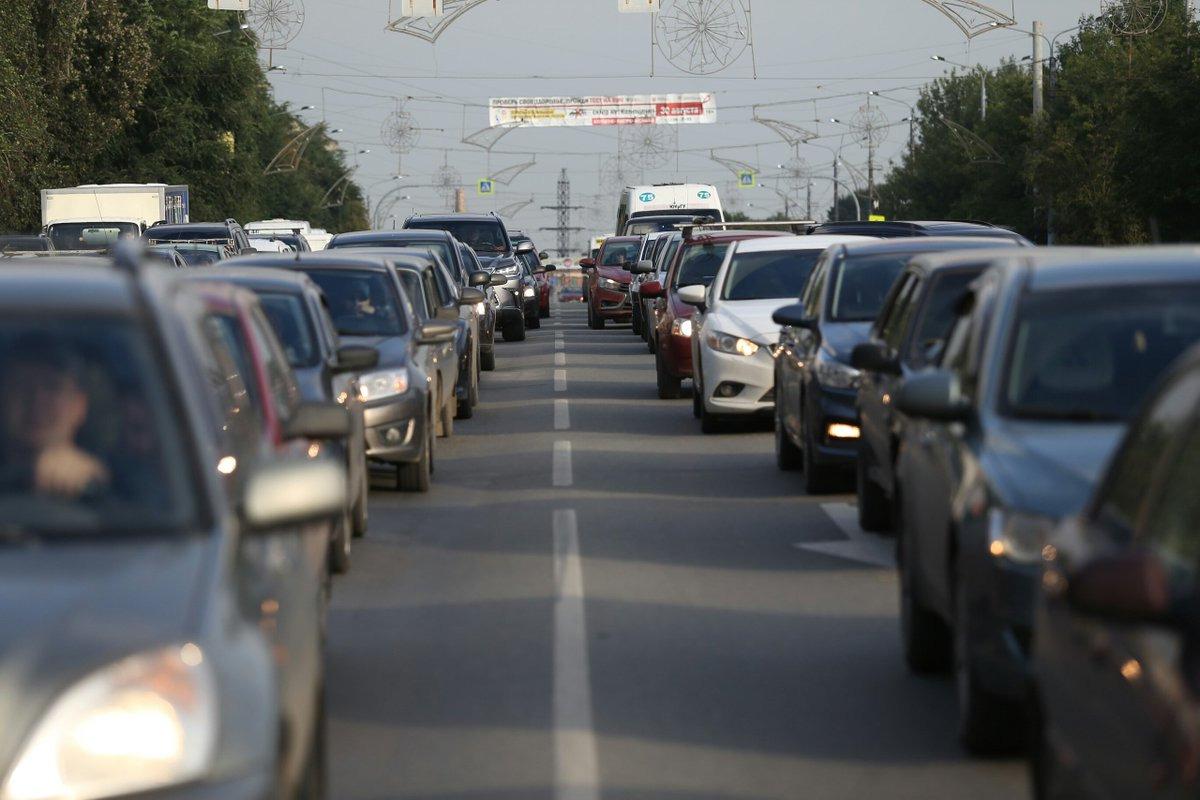 ДТП паралізувала рух на магістральному проспекті в Луцьку