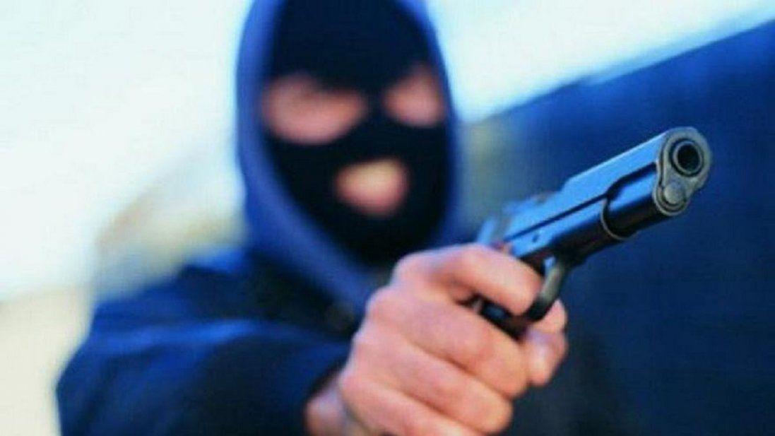 Купленим у соцмережі пістолетом юнаки «бомбили» луцькі магазини