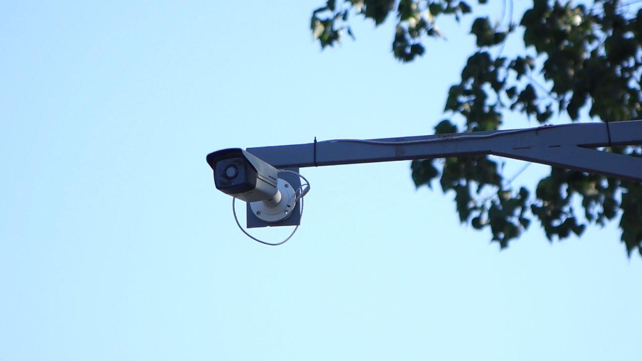 Головний парк Луцька нашпигують камерами (фото)