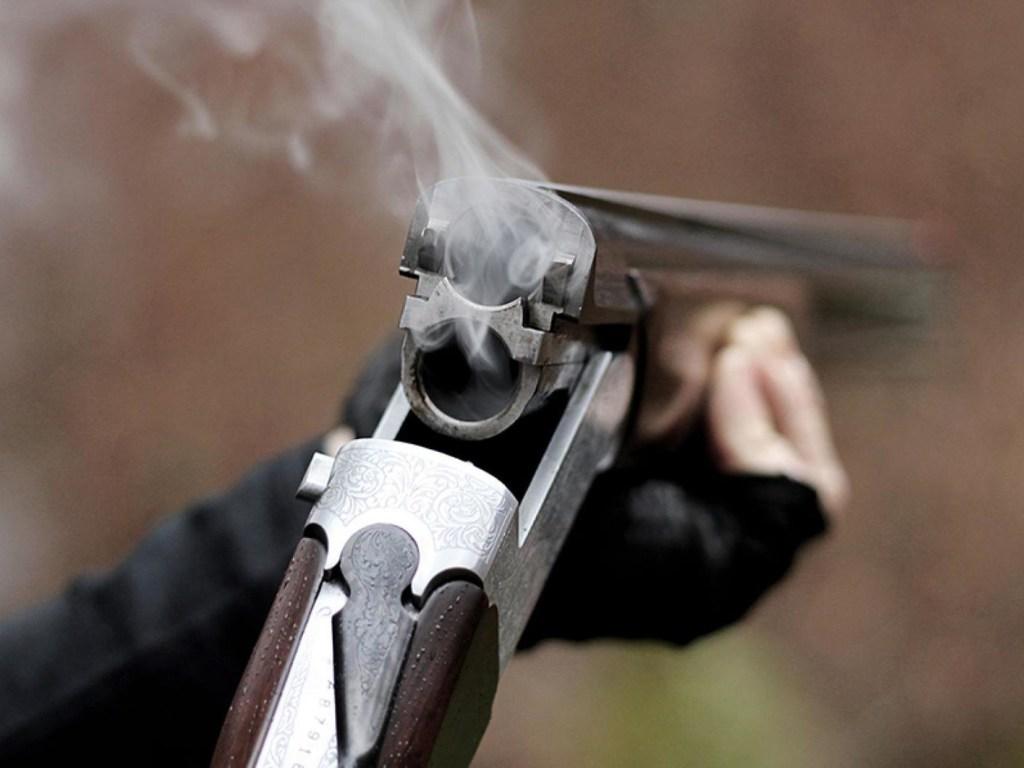 На Рівненщині пенсіонер розстріляв дружину, а потім себе