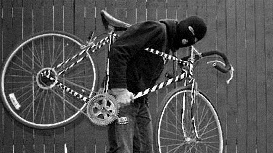 Лучанин вкрав два велосипеди і здав їх на металобрухт