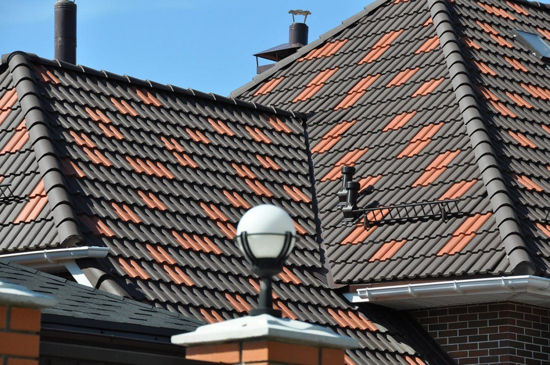 Як вибрати якісну покрівлю для даху у Луцьку від виробника (фото, відео)