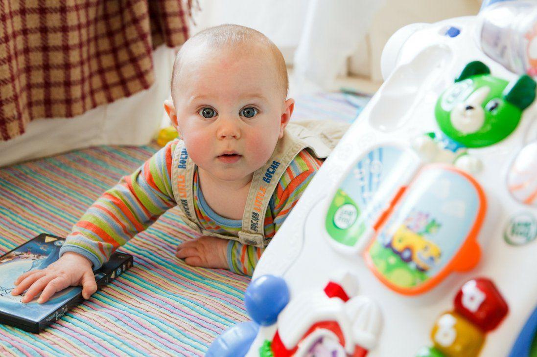 Як обрати розвиваючу іграшку відповідно до віку дитини: поради та підказки
