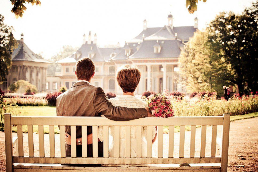 25 років у шлюбі: традиції, вітання та подарунки на срібне весілля