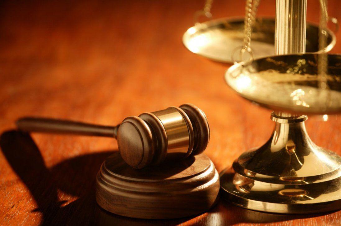 Суд на Волині відпустив додому підприємця, який битою мало не забив людину