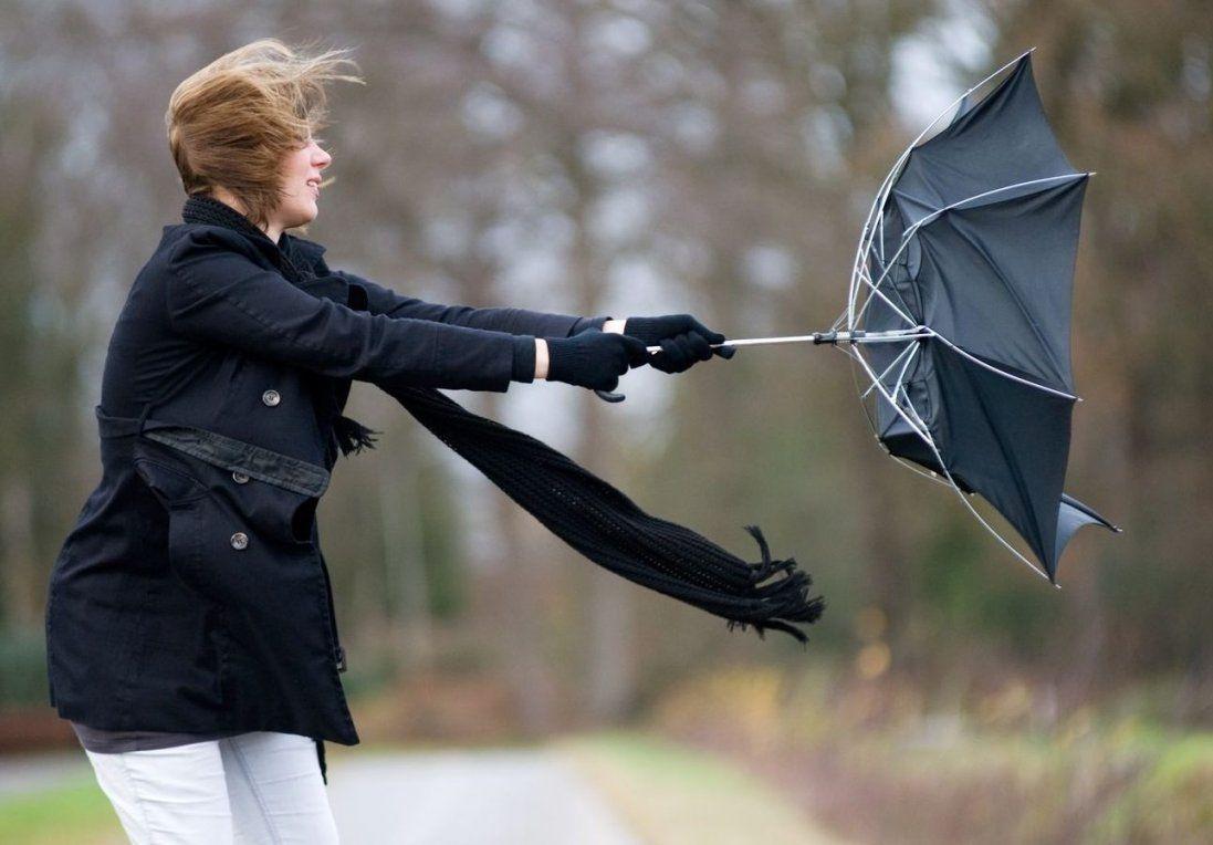 Українців попереджають про ураганний вітер