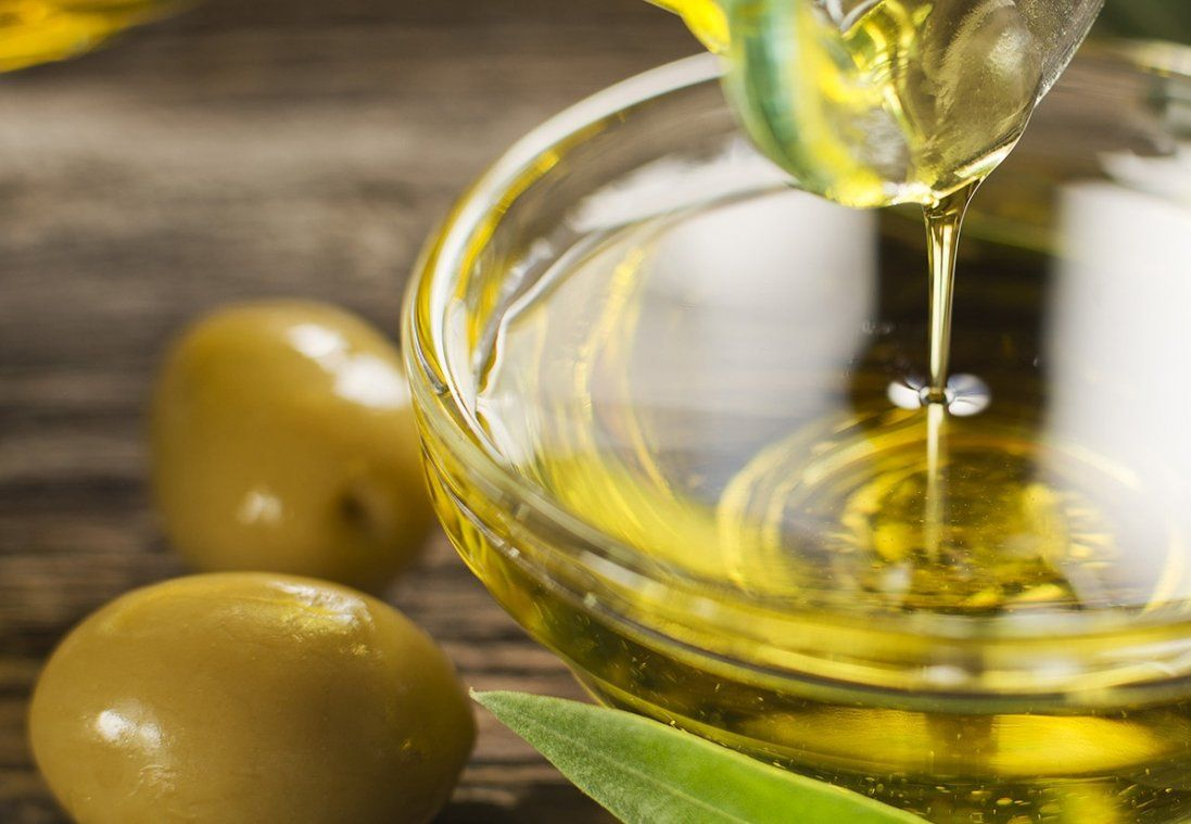 Як не купити замість оливкової олії моторне мастило з ароматизаторами (відео)
