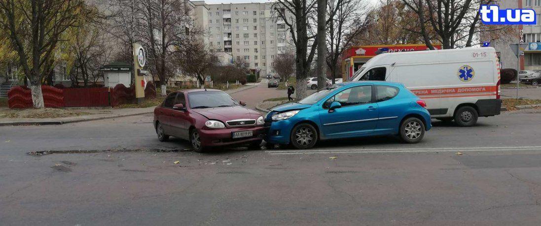У Луцьку Daewoo врізалося в Peugeot (фото)