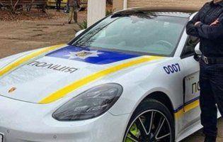Патрульні на службовому Porsche Panamera стали хітом мережі (фото, відео)