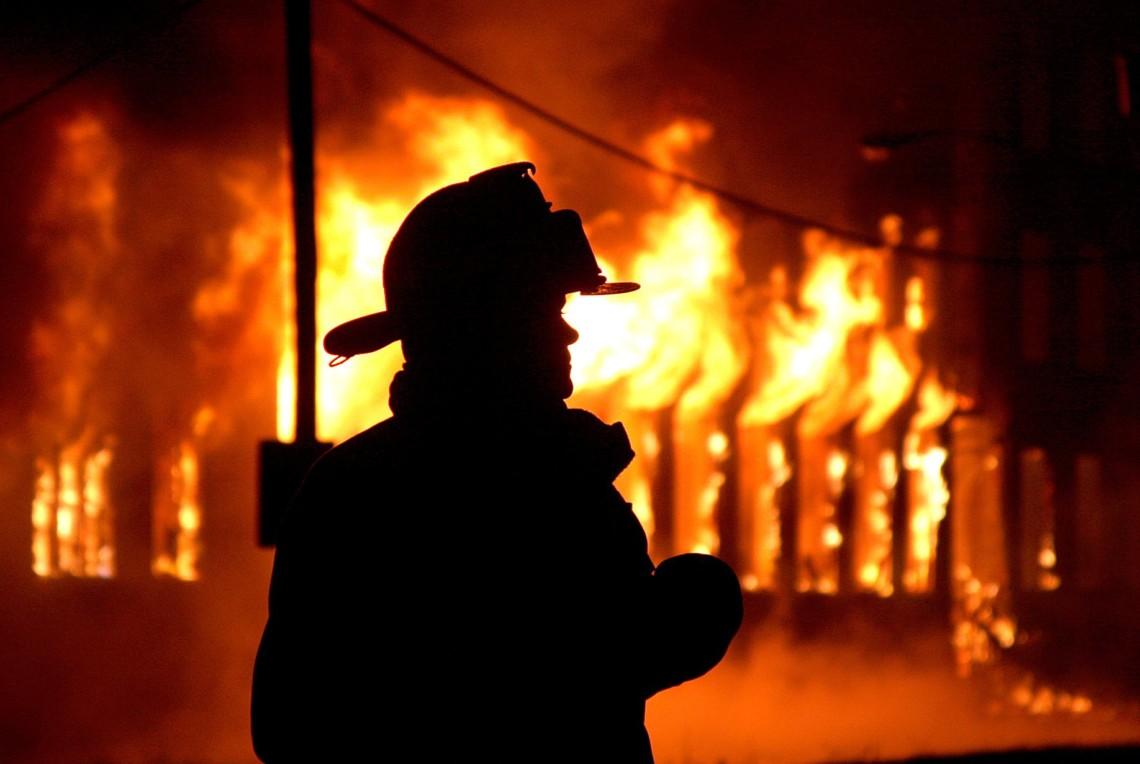На Волині спалахнув будинок із людьми (фото)