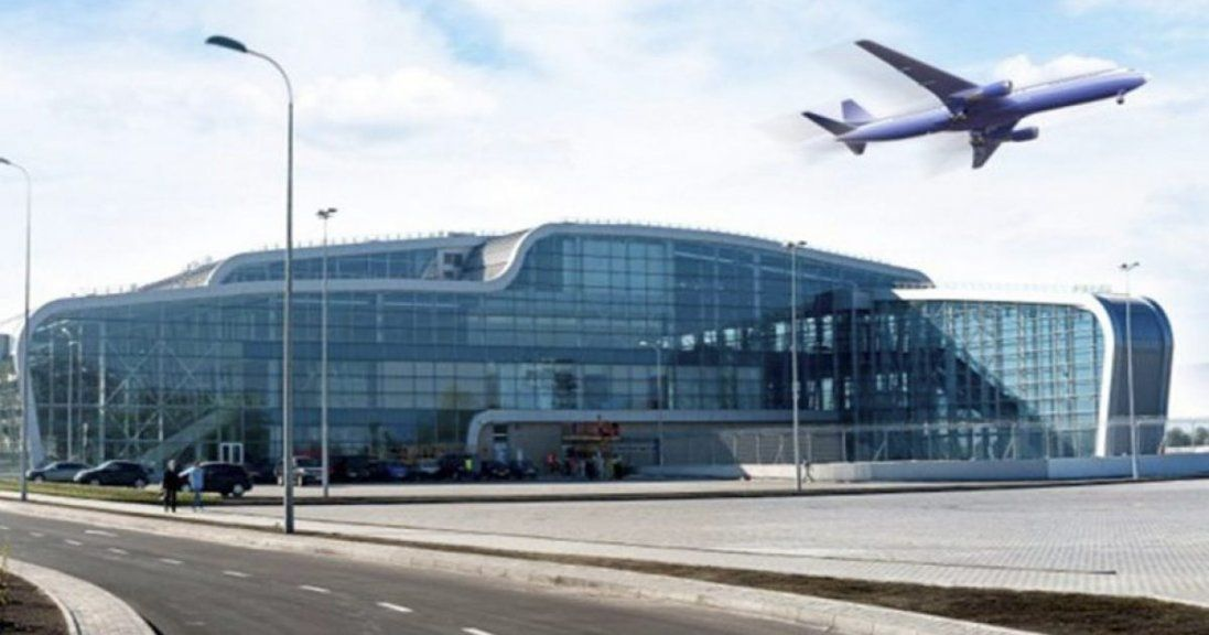 У Львові через ожеледицю літак з'їхав зі смуги, а аеропорт припинив роботу