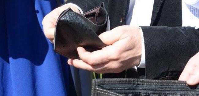 У Луцьку медикам і освітянам бракує 28 мільйонів гривень на зарплати